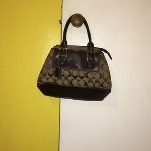 Coach  small hand purse